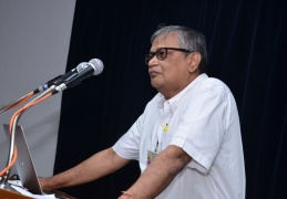 Dr. Sekhar Basu (then the secretary, DAE) addresses teachers and students at the launch