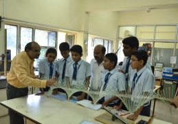 JNV students visit the Integrated Science lab in HBCSE