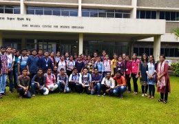 Group photograph of students, teachers and HBCSE resourse persons
